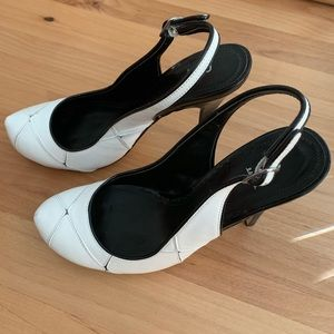White and black pump Size 7